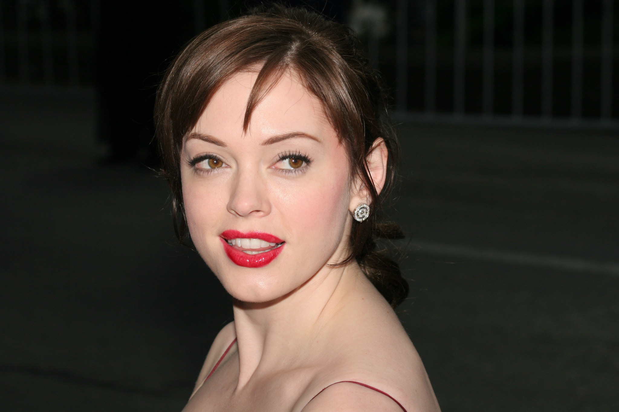 Rose Mcgowan Hottest Photos On The Internet
