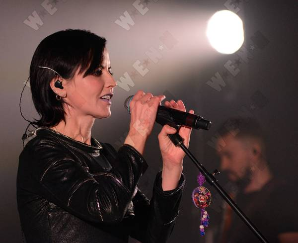 The Cranberries perform at the Bord Gais Energy Theatre Caption : The Cranberries perform at the Bord Gais Energy Theatre PersonInImage : Dolores O'Riordan,The Cranberries Credit : WENN.com Special Instructions : Not available for publication in Ireland Date Created : 05/18/2017 Location : Dublin, Ireland Object Name : Copyright Notice : WENN.com File Size : 0.73M (765297 bytes) MIME Type : image/jpeg Dimensions : 3200 x 2607 px (8.34 mp) 10.67 x 8.69 inch @ 300dpi 16.00 x 13.04 inch @ 200dpi 26.67 x 21.73 inch @ 120dpi Sets : The Cranberries performing