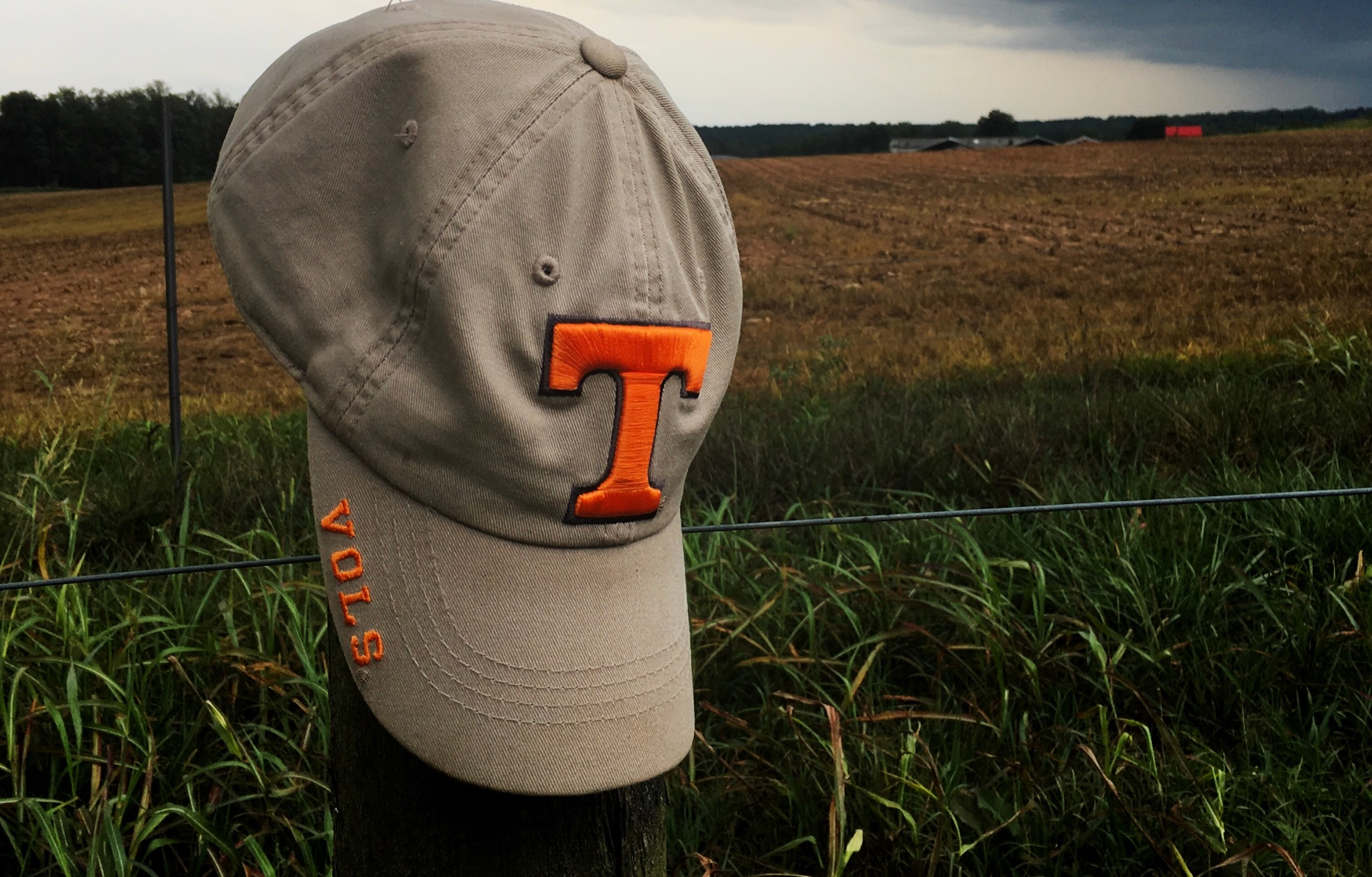 University of Tennessee Gives Boy Bullied for UT Shirt a Scholarship