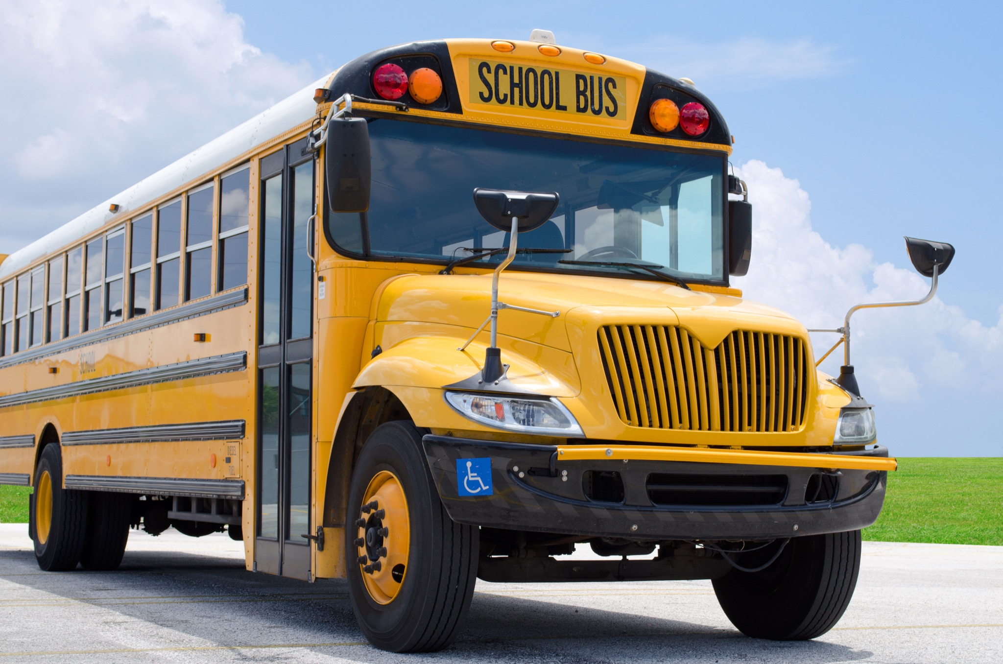 NJ Bus Aide Threatens To Throw A Student Out The Window