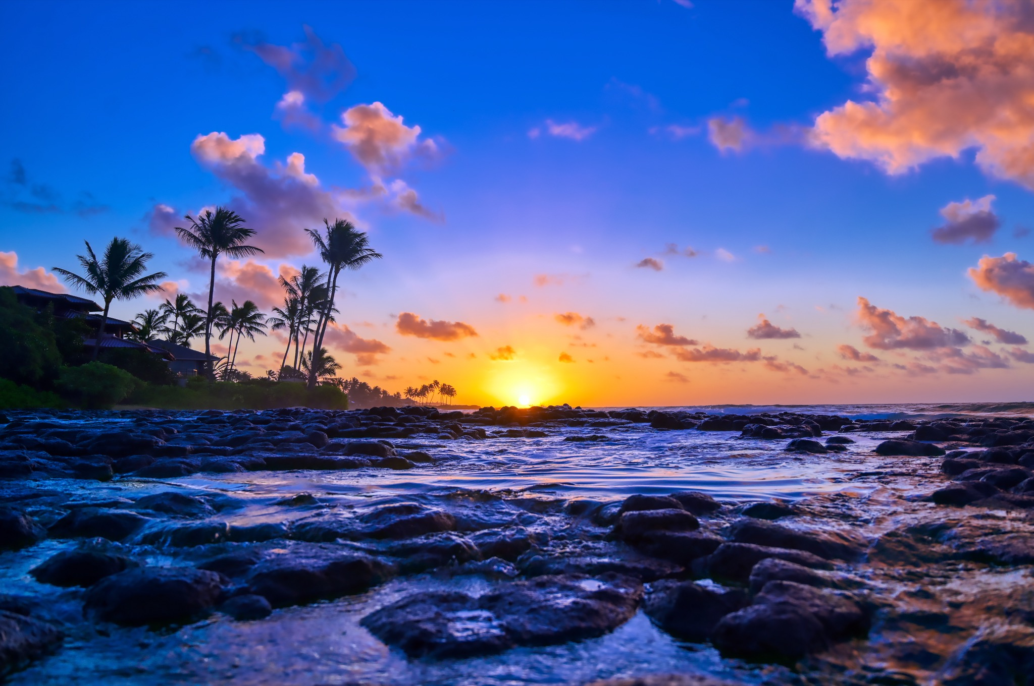 Hawaii Governor Asks Tourists To Stay Away For 30 Days