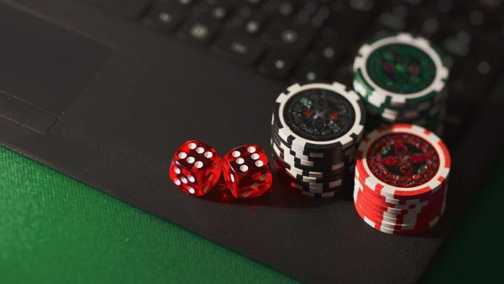 Dice, betting